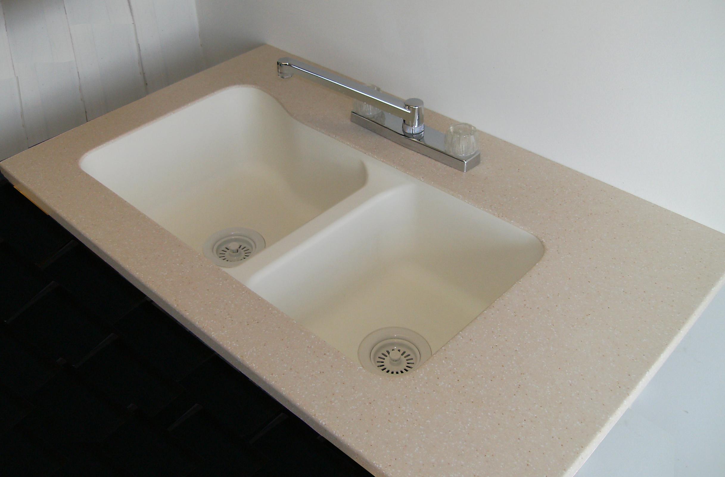 19 x 33   kitchen sink   creme 19 x 33 u2033 60 40 undermount kitchen sink  u2013 creme  u2013 american      rh   rv sinks com